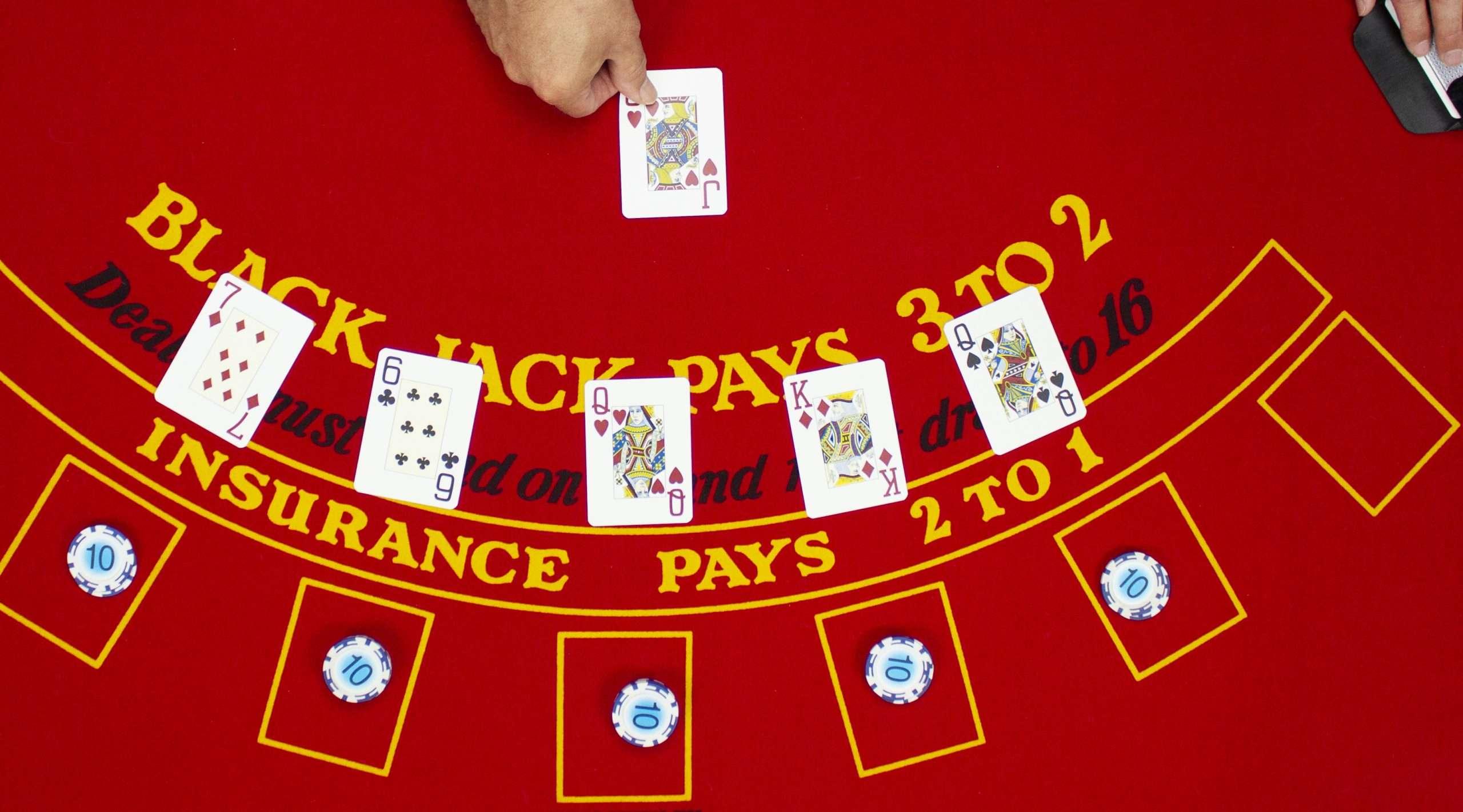 ieder speler 1 kaart bij blackjack
